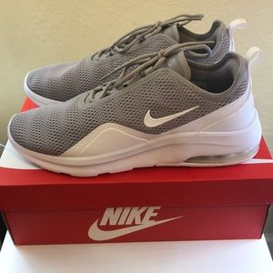 Nike Air Max Motion 2 Men's Athletic Shoes NWT